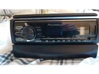 Pioneer digital radio with aux output ready to fit exellent order