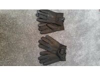 Leather gloves 2 pairs of gloves in black will fit size medium to large