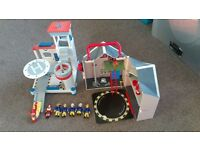 Fireman Sam - Helicopter station and engine shed