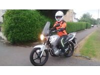 YAMAHA YBR 125......THE ONLY BIKE TO LEARN ON.........you've hopefully done your research