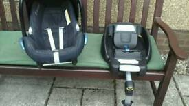 Maxi cosi seat and easifix base 0-12months