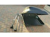 Roof box with Ford Mondeo rails