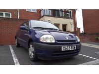 Renault Clio 2000 3 Door Hatchback, 1149CC, 5 months MOT, needs new clutch.