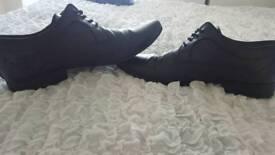 Men's formal shoes