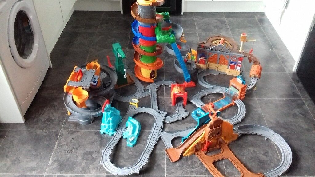 9 Thomas and Friends Take n Play Sets