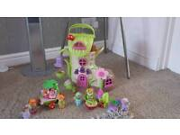 ELC FAIRYLAND BLUEBELL BOOT WITH THE FAIRY TOADSTOOL CAR PLUS FIGURES