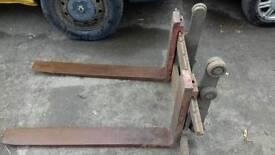 Fork frame and forks