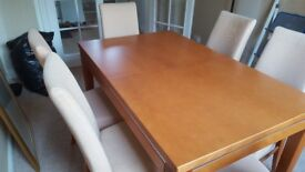 Dining room table (extendable) & 6 chairs