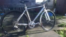 Boardman. New/other.. 9 speed Deore. Shimano mechanical discs. Great bike. Medium size.