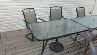Outdoor patio furniture set- Table, 6 Chairs & Umbrella