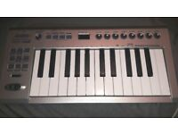 Edirol- Roland PCR1 USB MIDI Controller Keyboard & Audio Interface