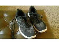 Lightweight trainers size 6