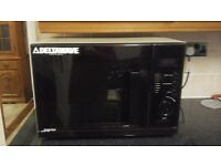 MICROWAVE OVEN, IN GOOD CONDITION