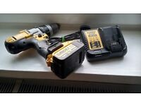 Used powerful Dewalt DCD985XR LI-ION comb. hammer drill set. GWO. See photos & details