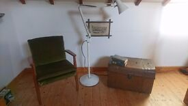 VINTAGE INDUSTRIAL FACTORY WORKSHOP ANGLEPOISE STANDARD LAMP PAT TESTED FAB DECOR DISPLAY PROP GWO