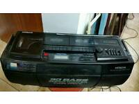 Hitachi MODEL CXW-500E radio works only
