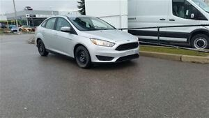 2015 Ford Focus Sedan SE **ONE OWNER**
