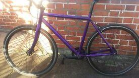 Bike fixie. Good condition. Great brakes / tyres