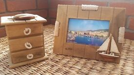 WOODEN NAUTICAL / BEACH PHOTO FRAME AND DRAWERS