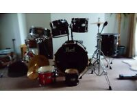 7 piece Pearl drum kit