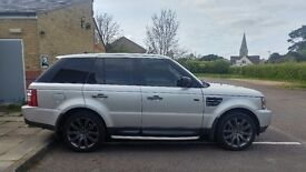 Land Rover Range Rover Sport in stunning silver with low miles