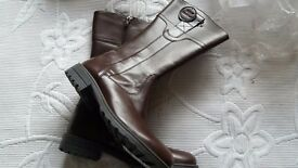 Ladies brown calf boots