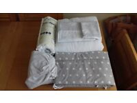 Toddler/Cot Bed - Complete Bedding Set in as-new condition