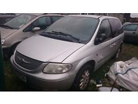 2004 SILVER CHRYSLER VOYAGER, 2.5 DIESEL, BREAKING FOR PARTS ONLY, POSTAGE AVAILABLE NATIONWIDE
