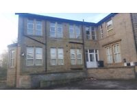 £400 - 2 bedroom unfurnished ground floor flat - Boothtown - Available now