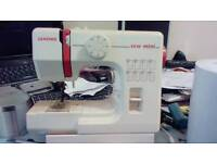 Cheap min sewing machine excellent condition