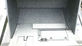 Ford Mondeo Mk.3 Glove box with lock