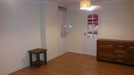 Spacious 2 bed flat to let minutes from EK Town Centre
