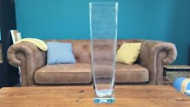 Tap square clear vase