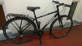TREK 7.2 FX HYBRID BIKE WITH MUDGUARDS AND RACK And new chain, cassette, brake pads