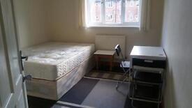Two double rooms to rent in putney