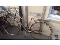 Vintage woman's raleigh bike with panier rack+ D-lock