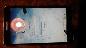 "7"" samsung galaxy tab 4 black with cracked screen Regina Regina Area image 3"