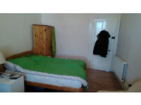 Long term double room to let in Leith
