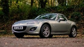 Mazda MX5 retractable Hard Top, perfect for all year round driving. Air Con & Leather Heated Seats.