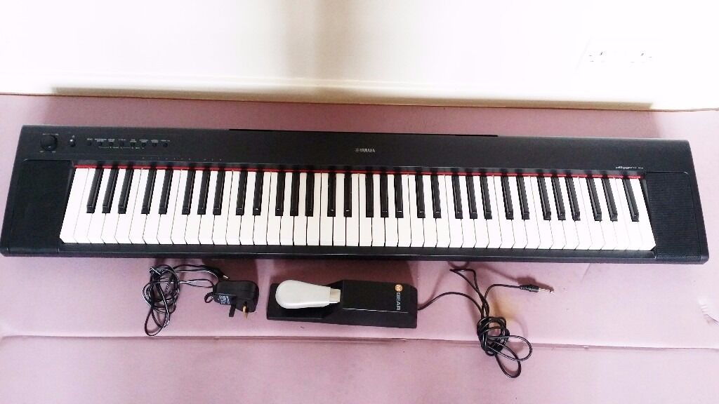 Yamaha NP-31 Piano Keyboard (76 Graded Soft Touch Keys)