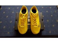 **Brand New** Carbrini Football Trainers (Juniors) - Yellow/Black - Size 5 - £5