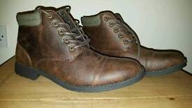 Men's brown boots for sale size 9