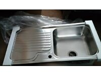 BRAND NEW Stainless steel kitchen sink, Franke Galassia GAX 611, large bowl, right hand drainer