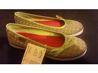 Girls/ladies Keds shoes - brand new in box, UK size 3.5 - perfect for summer!
