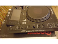 CDJ 2000 FOR SALE £800 IN MIND COND BOXED