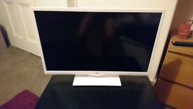 Bush White 24inch smart TV as new