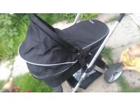 redkite forward&rear facing fully reclining pram&basket with footmuff&raincover in good condition
