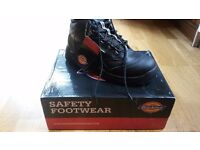 New work boots size UK 9 / EU 43/3 pairs