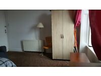 Spacious room in Falkirk city centre