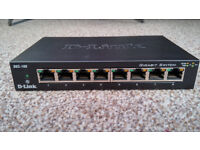 D-Link DES 108 8 ports Switch in a very good condition!!!